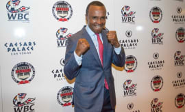 Sugar Ray Leonard walks the red carpet.