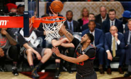 Anthony Davis scores during the 2017 NBA All-Star Game.