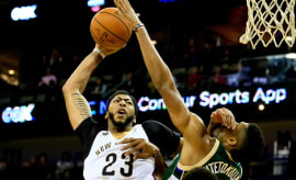 Anthony Davis dunk