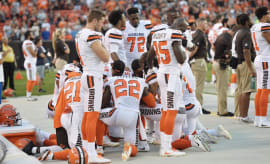 Cleveland Browns hold national anthem protest.
