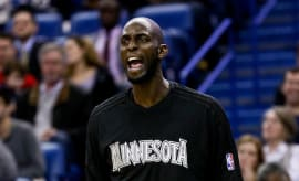 Kevin Garnett screaming on the court.