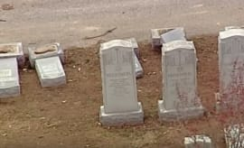Muslim activists raise money for vandalized cemetery