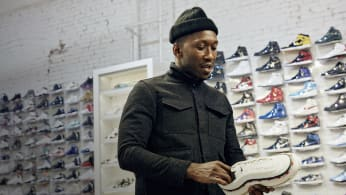 mahershala ali goes sneaker shopping with complex sneaker shopping
