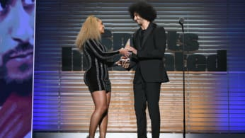 Beyoncé and Colin Kaepernick at the SI Sportsperson of the Year award show.