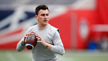 Johnny Manziel #2 of the Memphis Express warms up
