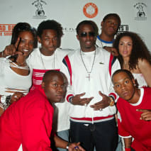 Diddy with members of 'Making the Band 2'
