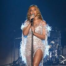 Beyoncé  buys ivy park