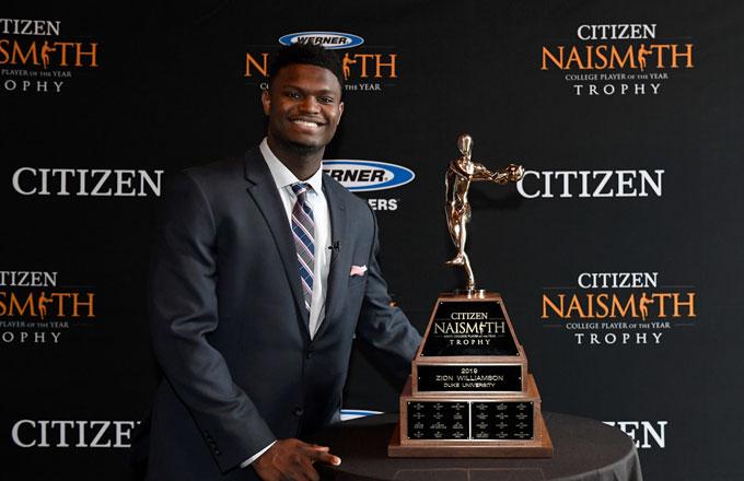Zion Williamson poses with his Naismith Award