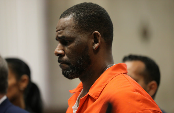 Singer R. Kelly appears during a hearing at the Leighton Criminal Courthouse