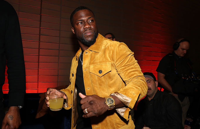 Kevin Hart at a 2019 Super Bowl party.