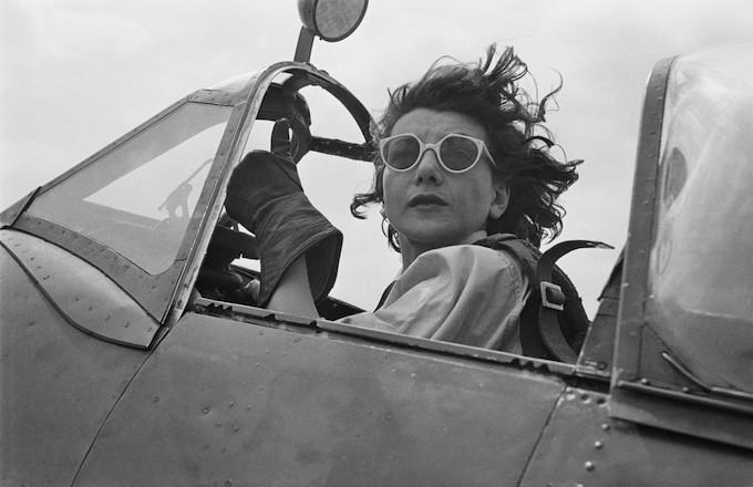 Female ATA pilot in 1944.