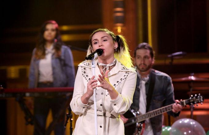 Miley Cyrus orgie