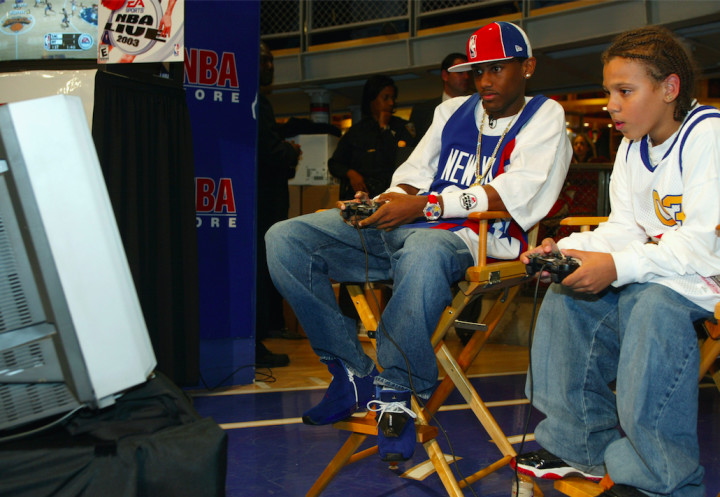 street-style-trends-started-by-rappers-throwback-jerseys