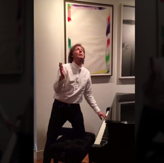This is Paul McCartney doing the Mannequin Challenge.