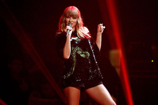 This is a picture of Taylor Swift.