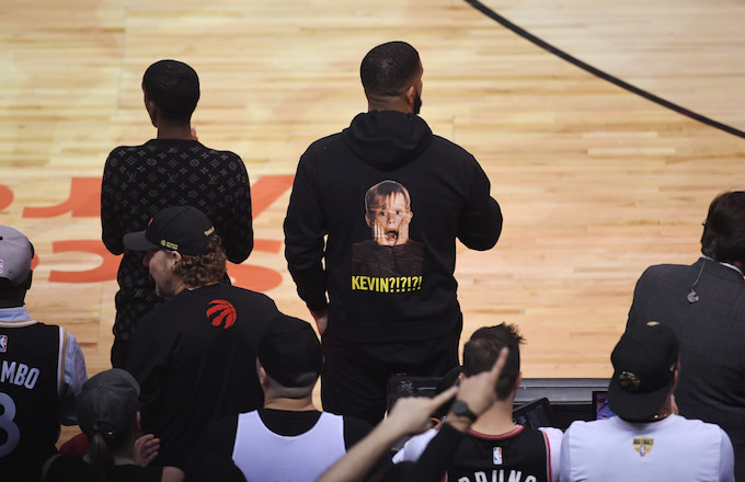 best website 165a4 de4a8 Drake Trolls Kevin Durant With 'Home Alone'-Inspired Hoodie ...