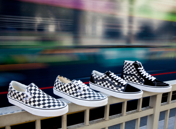 b7a685fd03 Get Dazed and Confused with Vans Blur Check Pack | Complex