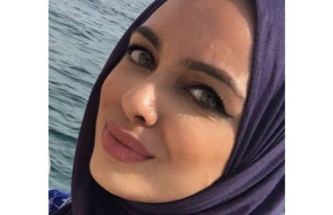 Muslim woman kicked off flight.