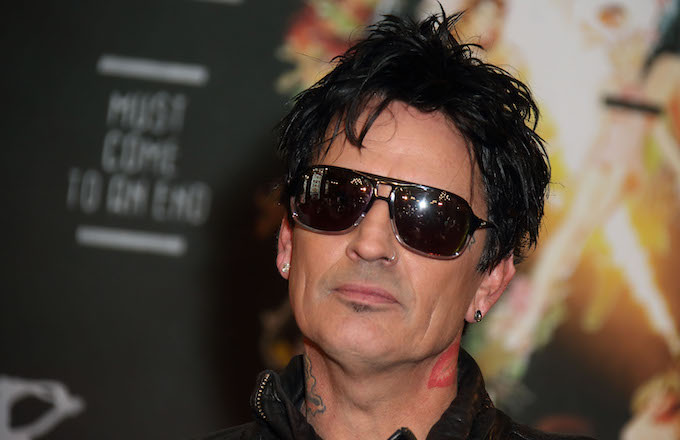 tommy-lee-goes-after-trump