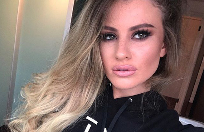 Chloe Ayling posts photo of herself on Instagram.