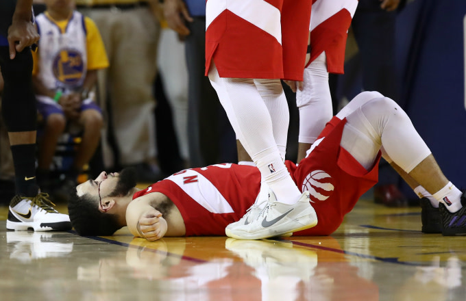 Drake Offers to Fix Fred VanVleet's Chipped Tooth: 'You Can Use My