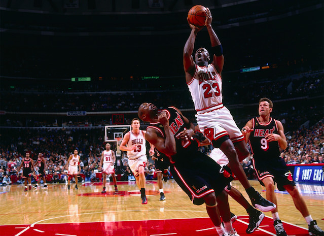 bizaare-sports-injuries-michael-jordan
