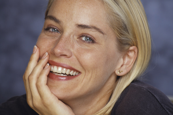 famous-actresses-start-horror-sharon-stone
