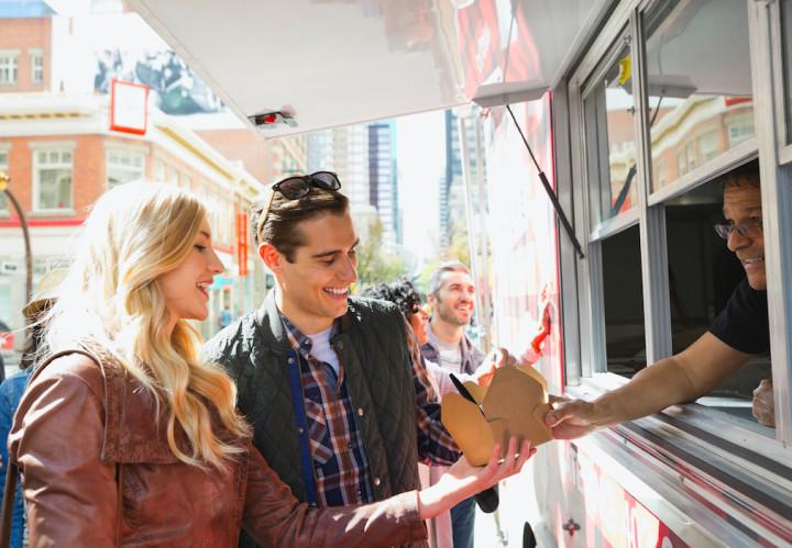 best-first-date-ideas-food-tasters