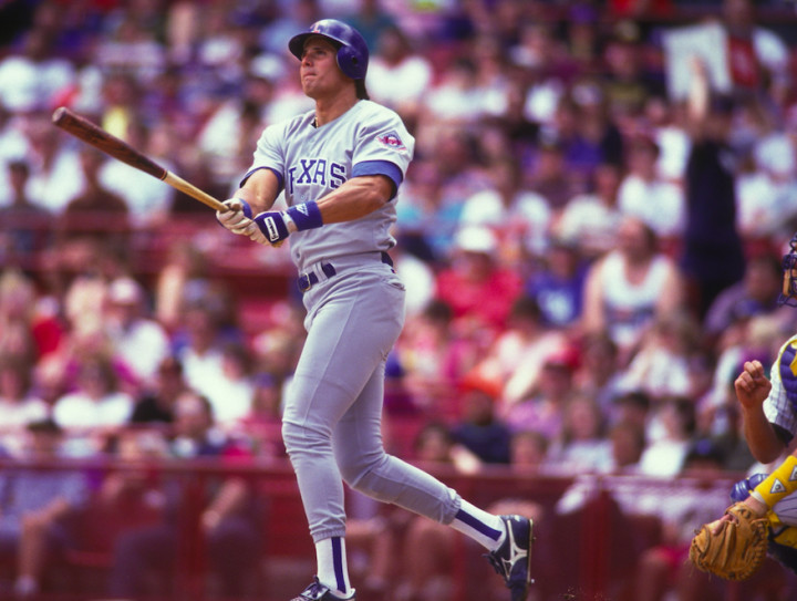 bizaare-sports-injuries-jose-canseco