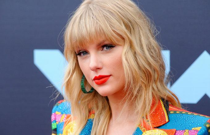 Taylor Swift attends the 2019 MTV VMAs