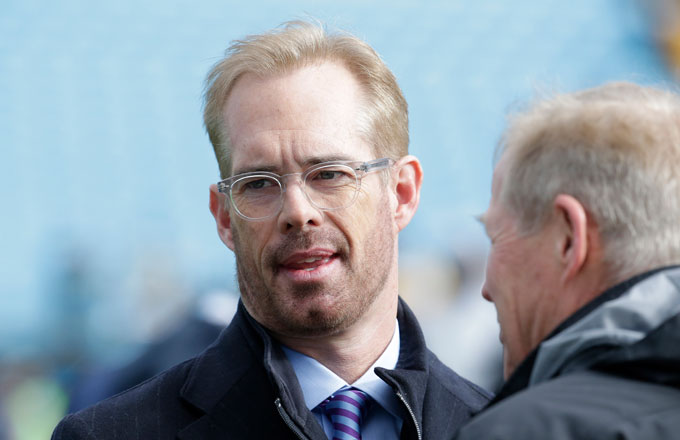 Joe Buck on the field prior to an NFC playoff game.