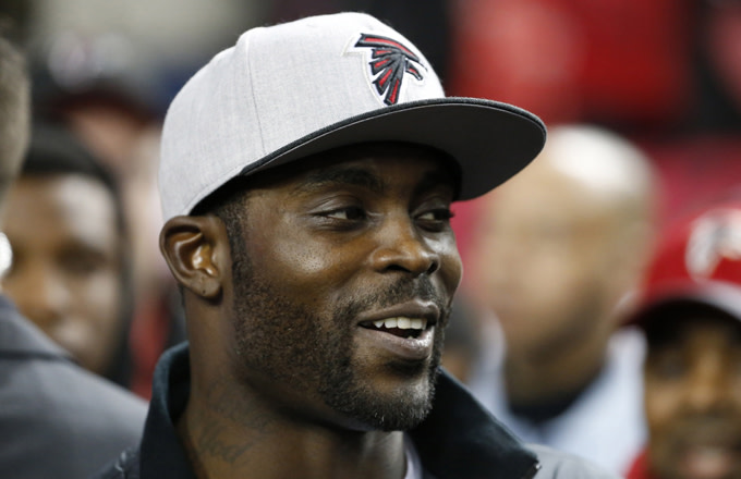 513d05aea91d Mike Vick's Ready to Dominate a New Flag Football League, Says He's ...