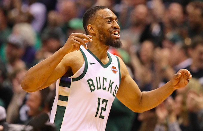 online store fc2cd afcb6 Jabari Parker Inks Two-Year, $40 Million Deal With Chicago ...