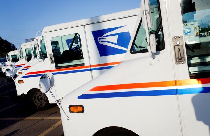 Hundreds Donate to Retiring ATL Mailman After Heartwarming