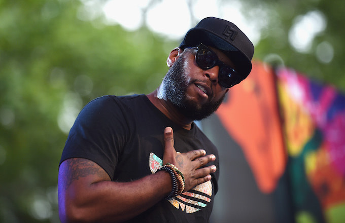 Talib Kweli performs onstage during OZY Fest 2017.