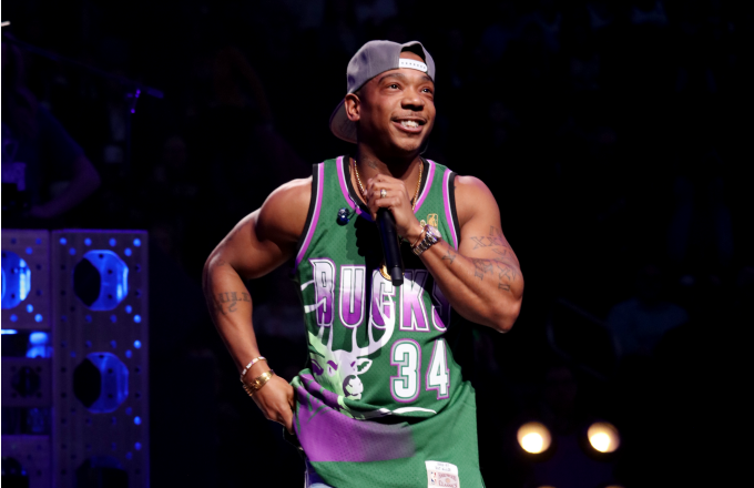 Ja Rule performs during the halftime of the Minnesota Timberwolves and Milwaukee Bucks game