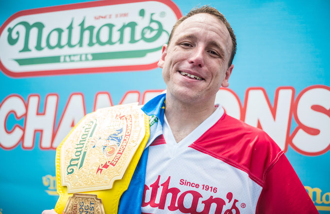 Joey Chestnut Sets New Record In Nathan S Hot Dog Eating