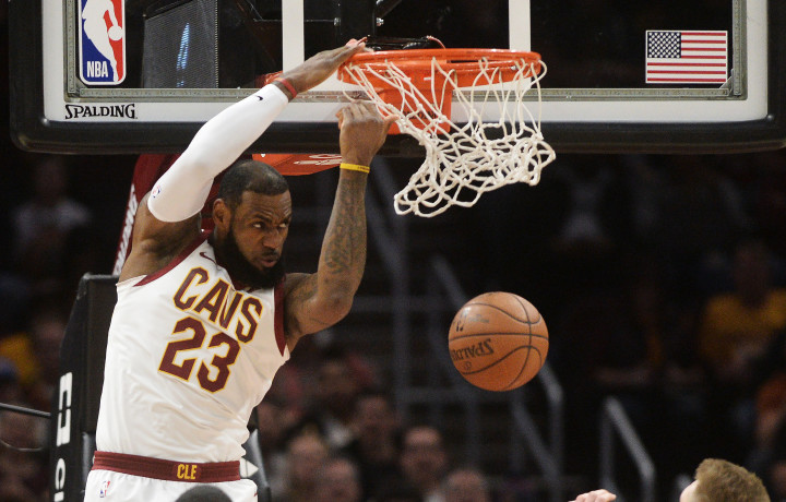 LeBron James dunks against the Indiana Pacers on January 26, 2018.
