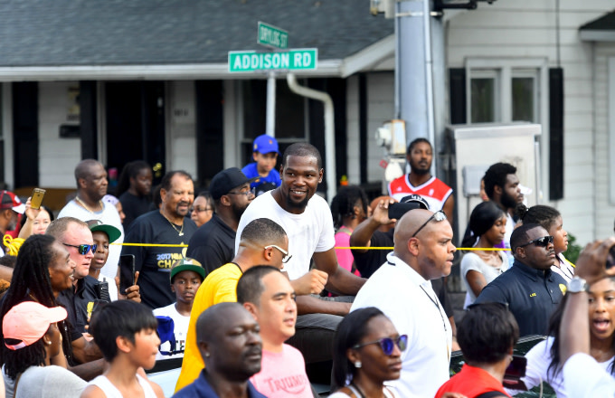 The community welcomes home 2017 NBA Champion MVP Kevin Durant