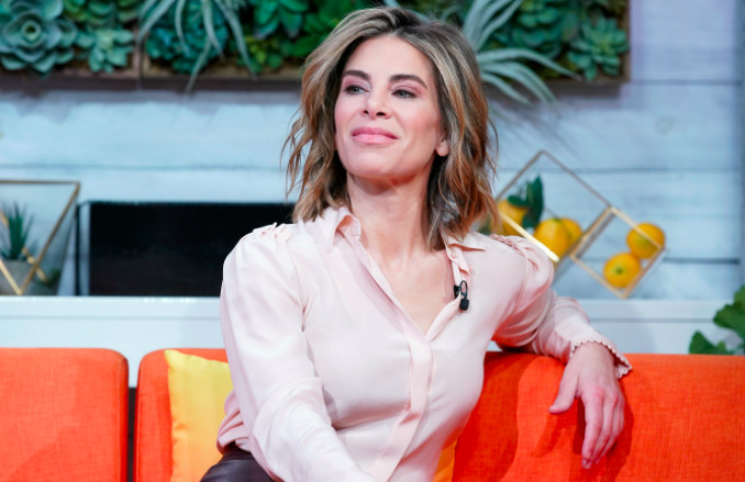 "Jillian Michaels visits BuzzFeed's ""AM To DM"""