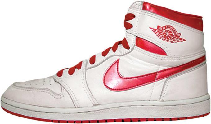 "Air Jordan 1 High ""Red Metallic"""