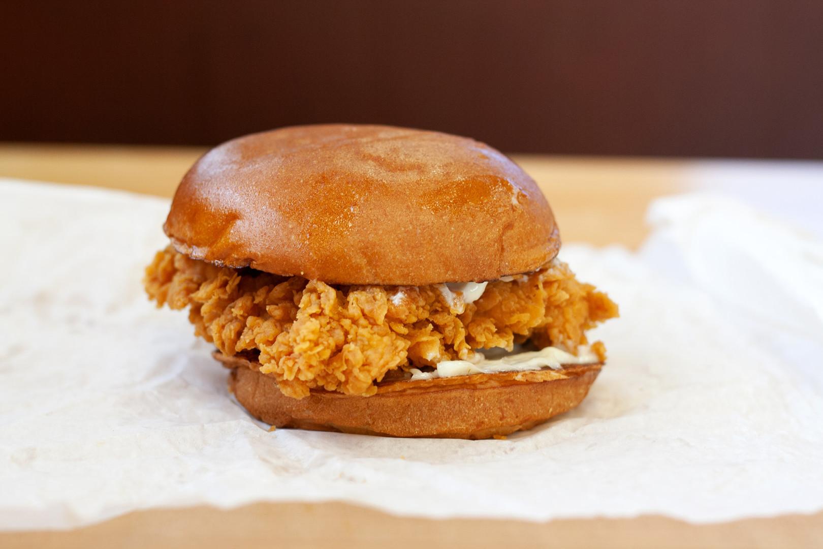 A Brief Timeline of Popeyes Fried Chicken Sandwich Craze