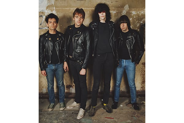 50-things-converse-all-star-the-ramones
