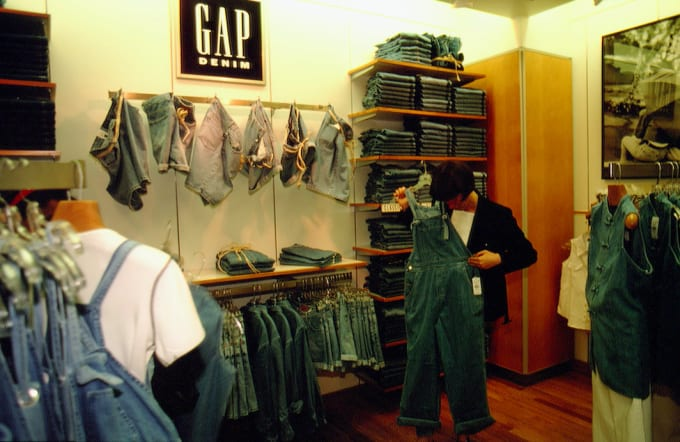 90-greatest-90s-fashion-the-gap