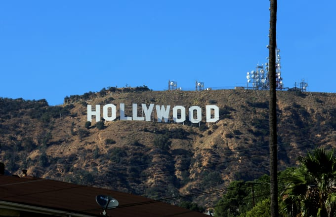 someone is scamming hollywood men out of thousands of dollars complex