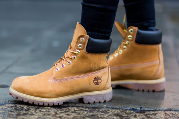 59e586bb919 Tightly laced Timbs are for nerds.