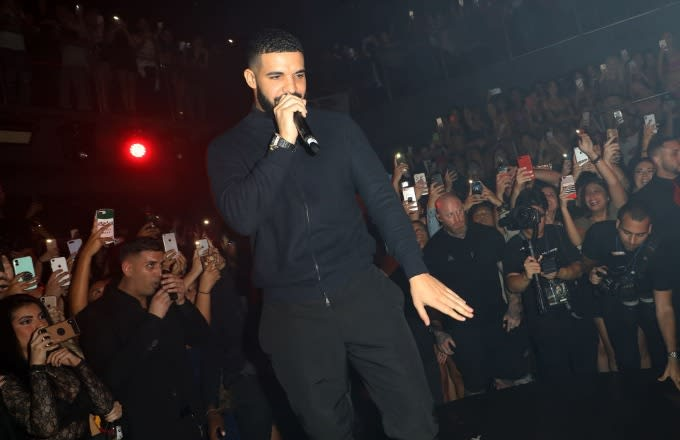 """No More MJ in Drake Songs as he drops """"Don't Matter to Me"""" from his"""
