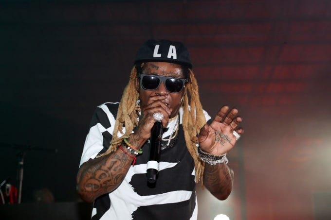 7ca34367856 9 Rappers Accused of Being In The Illuminati
