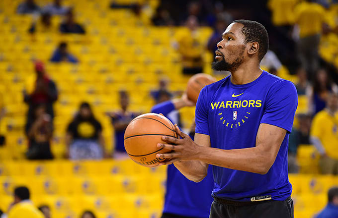 2383ac13818 Kevin Durant s Teammates Reportedly Believe He s Heading to the ...