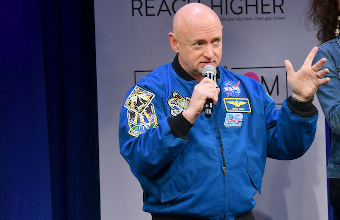Astronaut Mark Kelly Calls Trump Out for Airline Safety ...